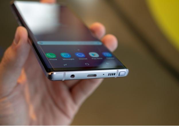 Siêu phẩm smartphone chơi game model mới tốt nhất với công nghệ sạc nhanh 45W