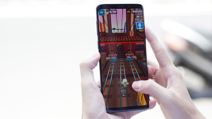 Tính năng AR Amoji hấp dẫn và đầy thú vị trên Samsung S9